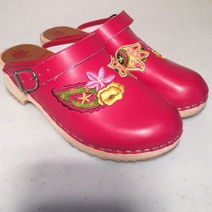 Hanna Andersson Leather Embroidered Red Clogs